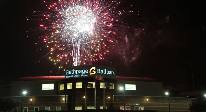 GAME TONIGHT: INDEPENDENCE DAY PYROTECNICO FIREWORKS EXTRAVAGANZA!